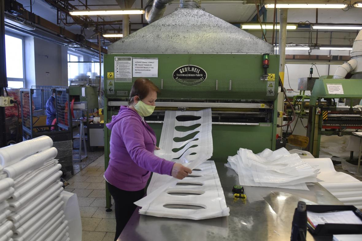 Výroba vaků na sypké materiály
