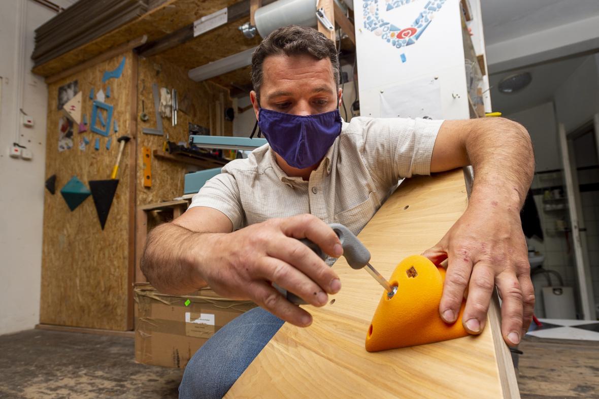 Výroba lezeckých potřeb