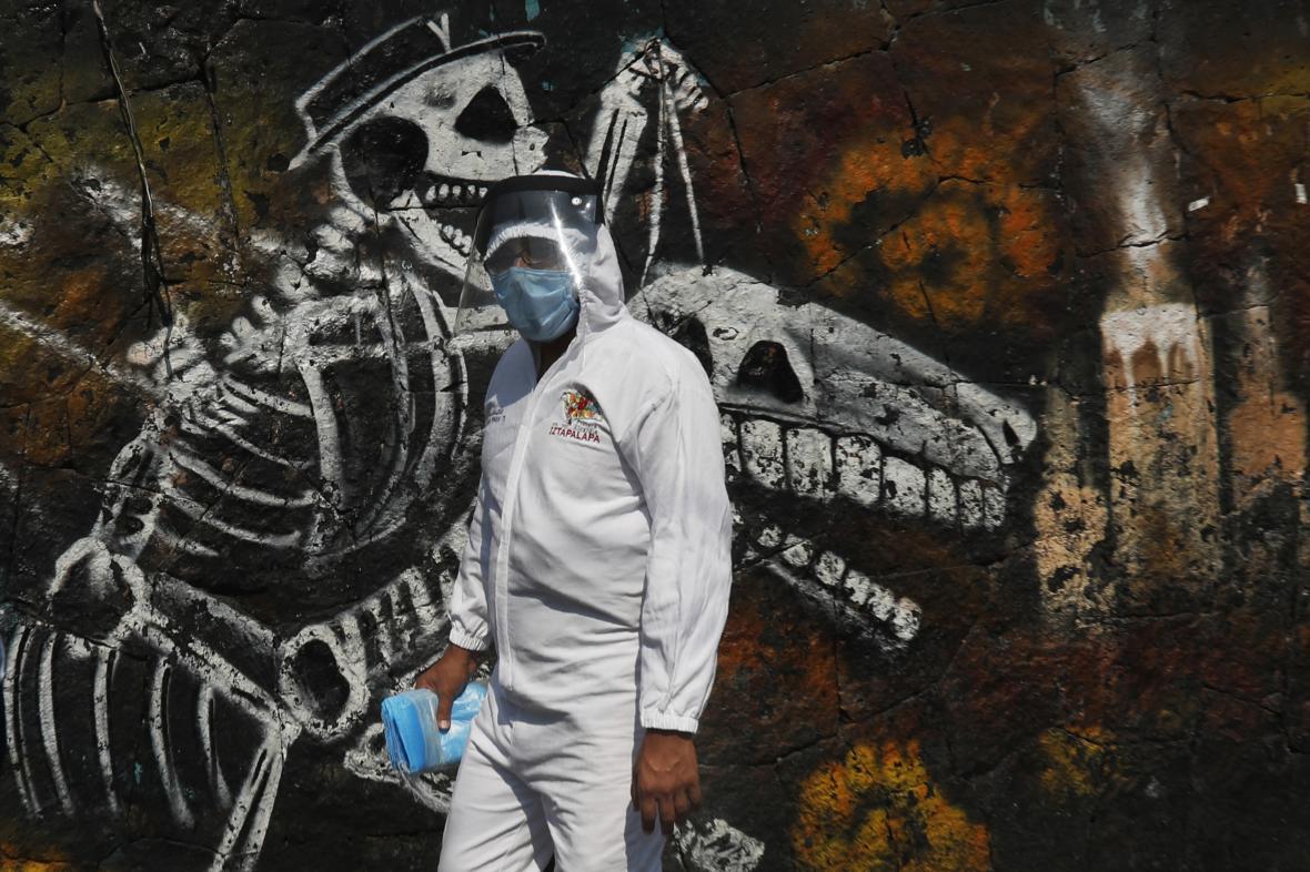V Mexico City vytvářejí prostor pro další pohřby