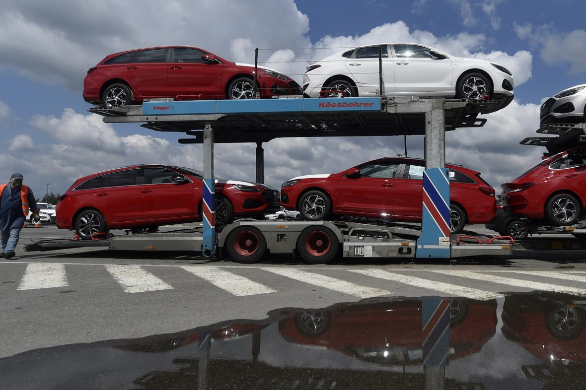 Nakládka nového modelu Hyundai i30