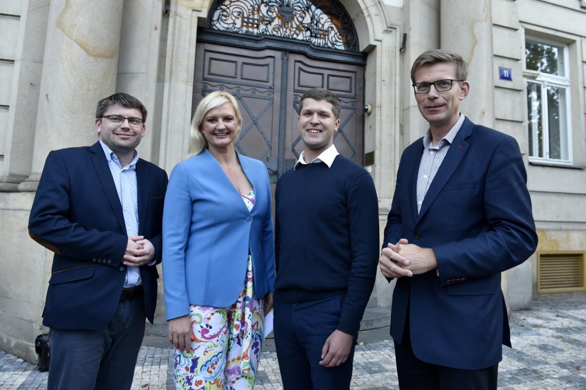 Lídři nové koalice Středočeského kraje