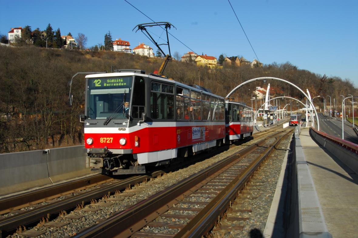 Tramvaj T6A5 na barrandovské trati