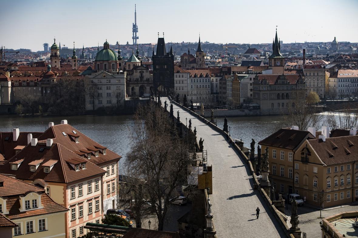 Prázdný Karlův most