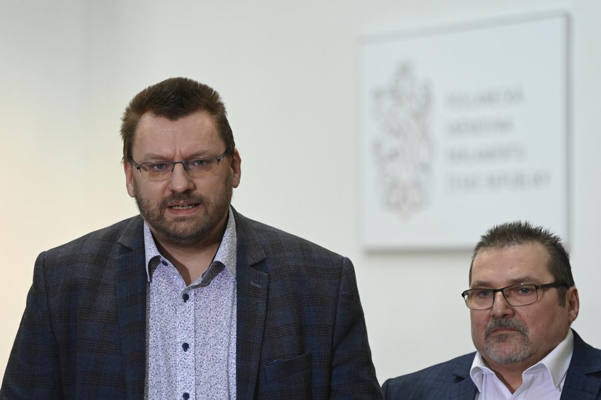 Nezařazení poslanci Lubomír Volný (vlevo) a Marian Bojko