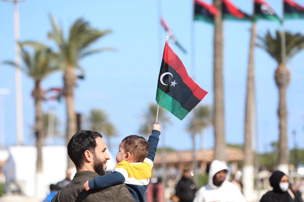 Oslavy deseti let od povstátí proti Kaddáfímu v Libyi