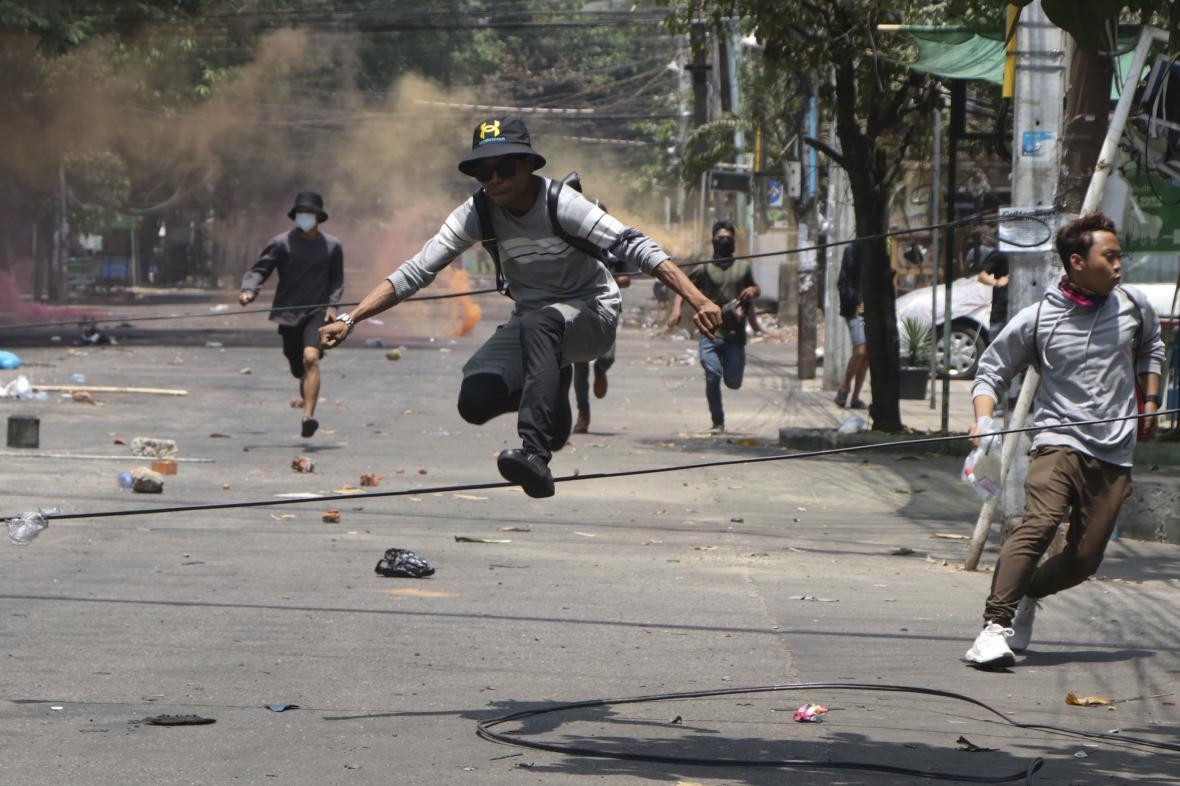 Protesty v Myanmaru pokračují