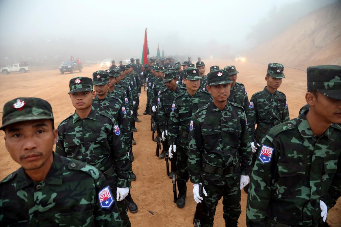 Vojáci Karenského národního svazu (KNU), ilustrační foto