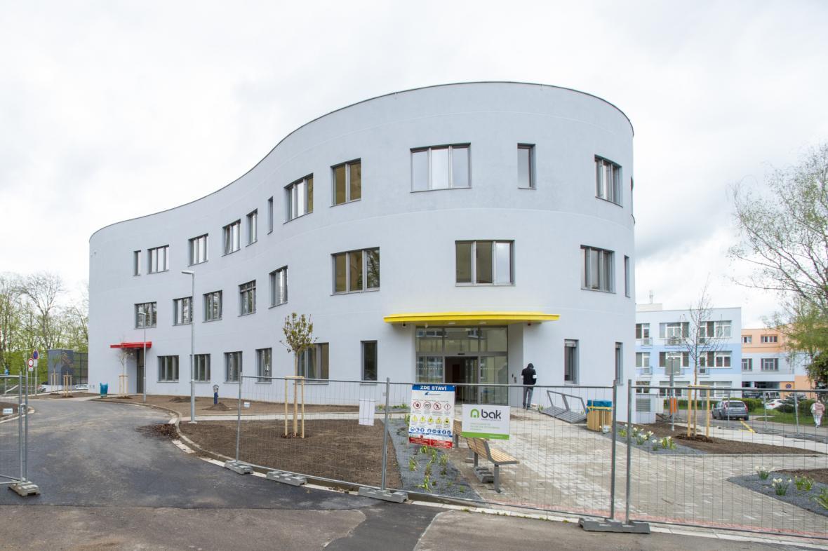 Stavba pavilonu psychiatrie se blíží ke konci