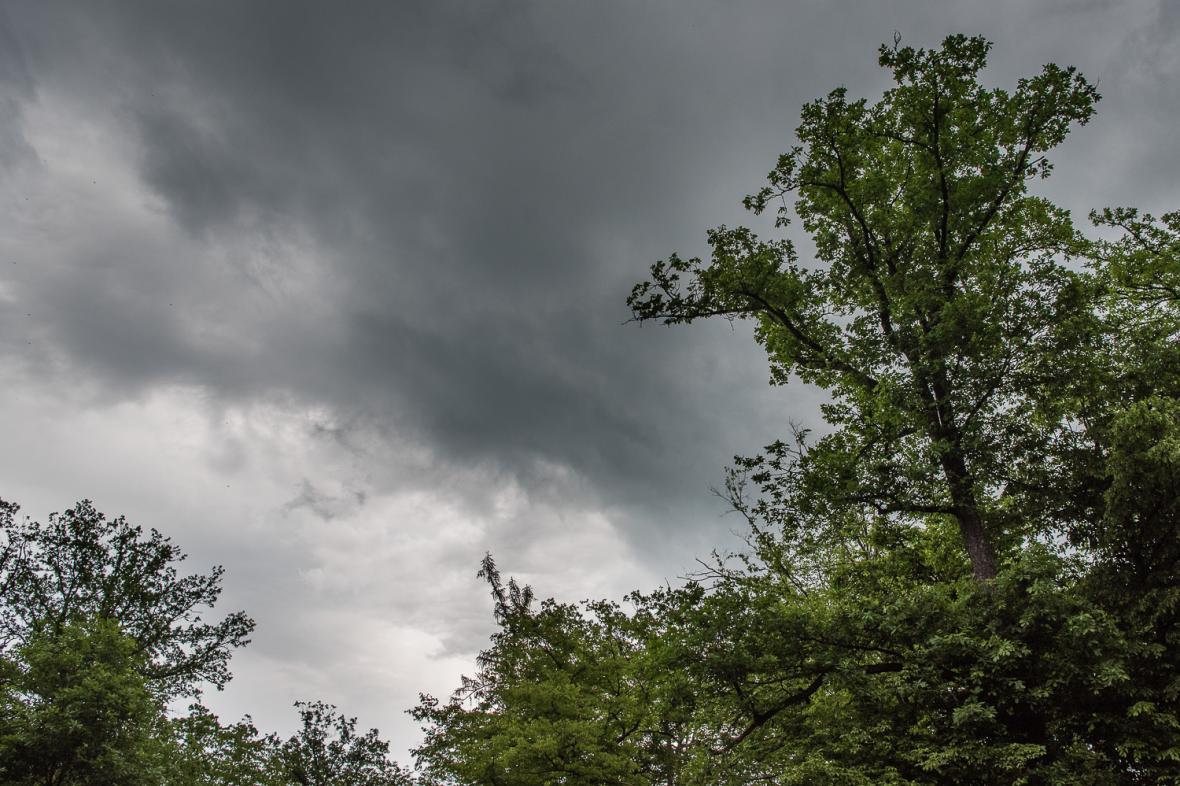 Obloha před bouřkou