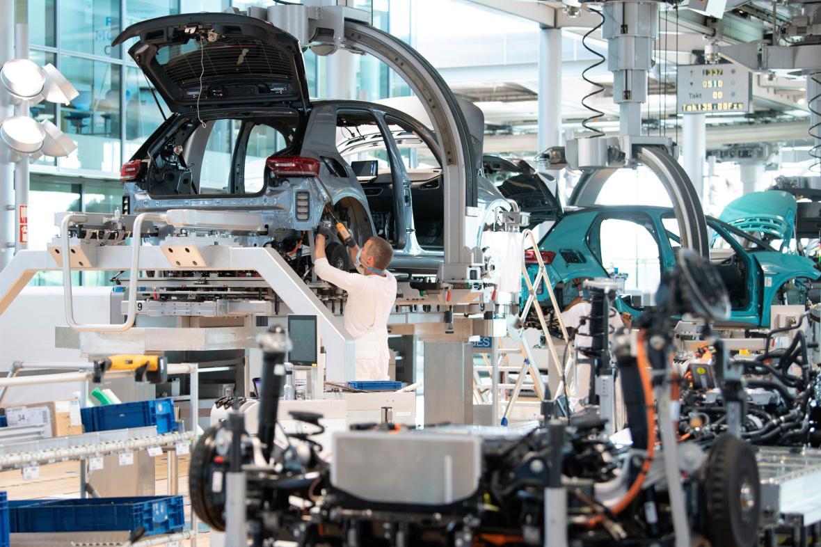 Výroba elektromobilu VW ID.3 v továrně Volkswagenu