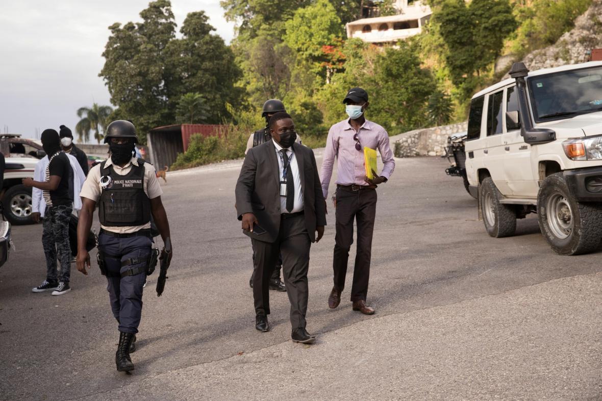Haitští policisté spolupracují s agenty FBI na vyšetřování vraždy prezidenta Moïseho