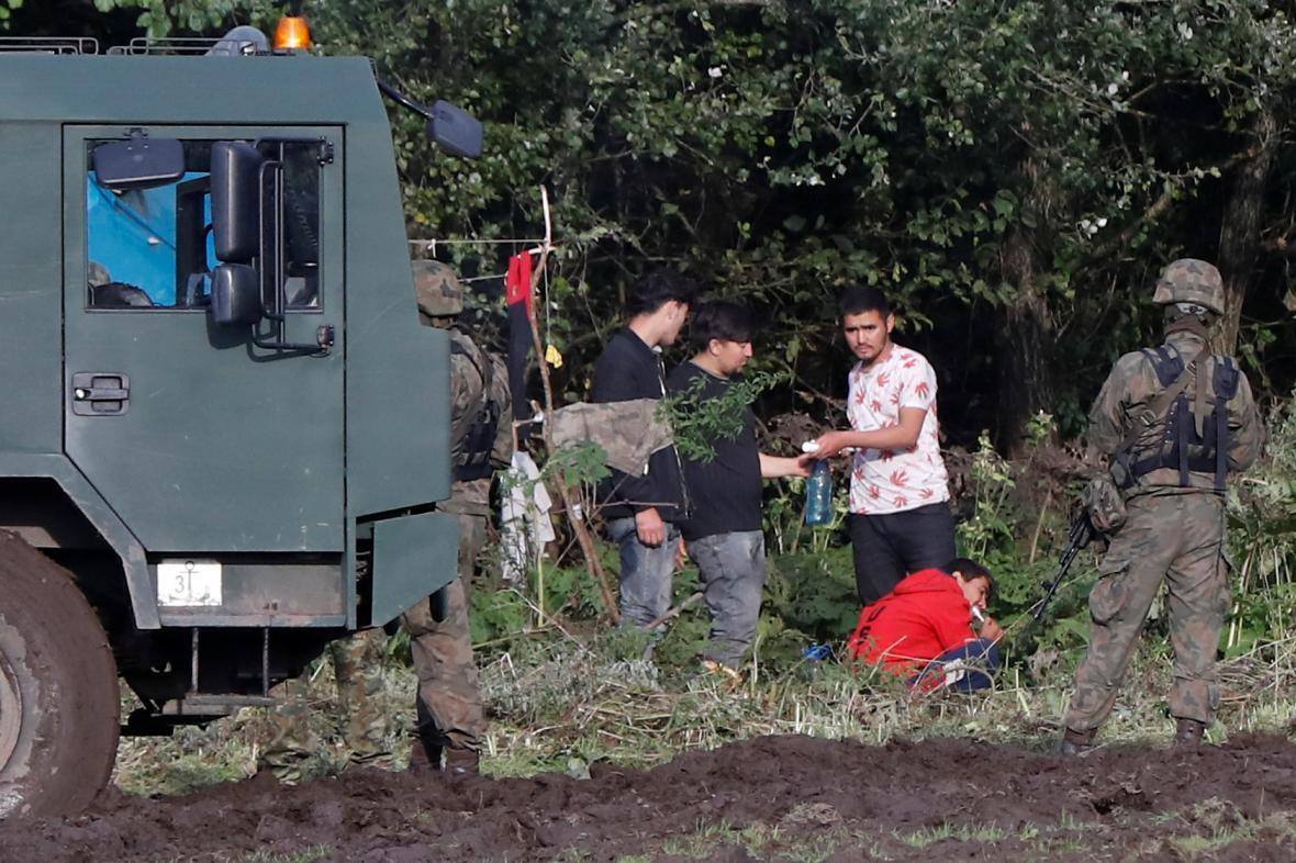Migranti na polsko-běloruské hranici