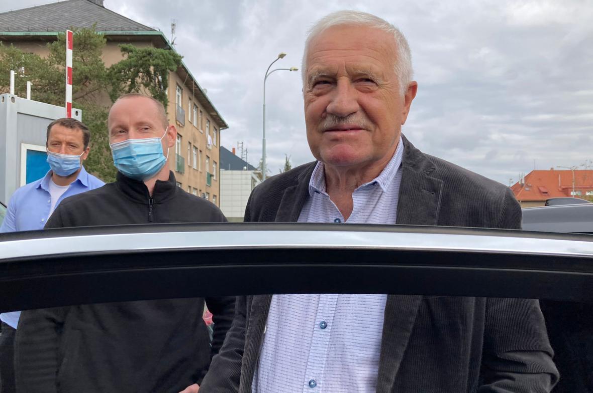 Václav Klaus opouští nemocnici