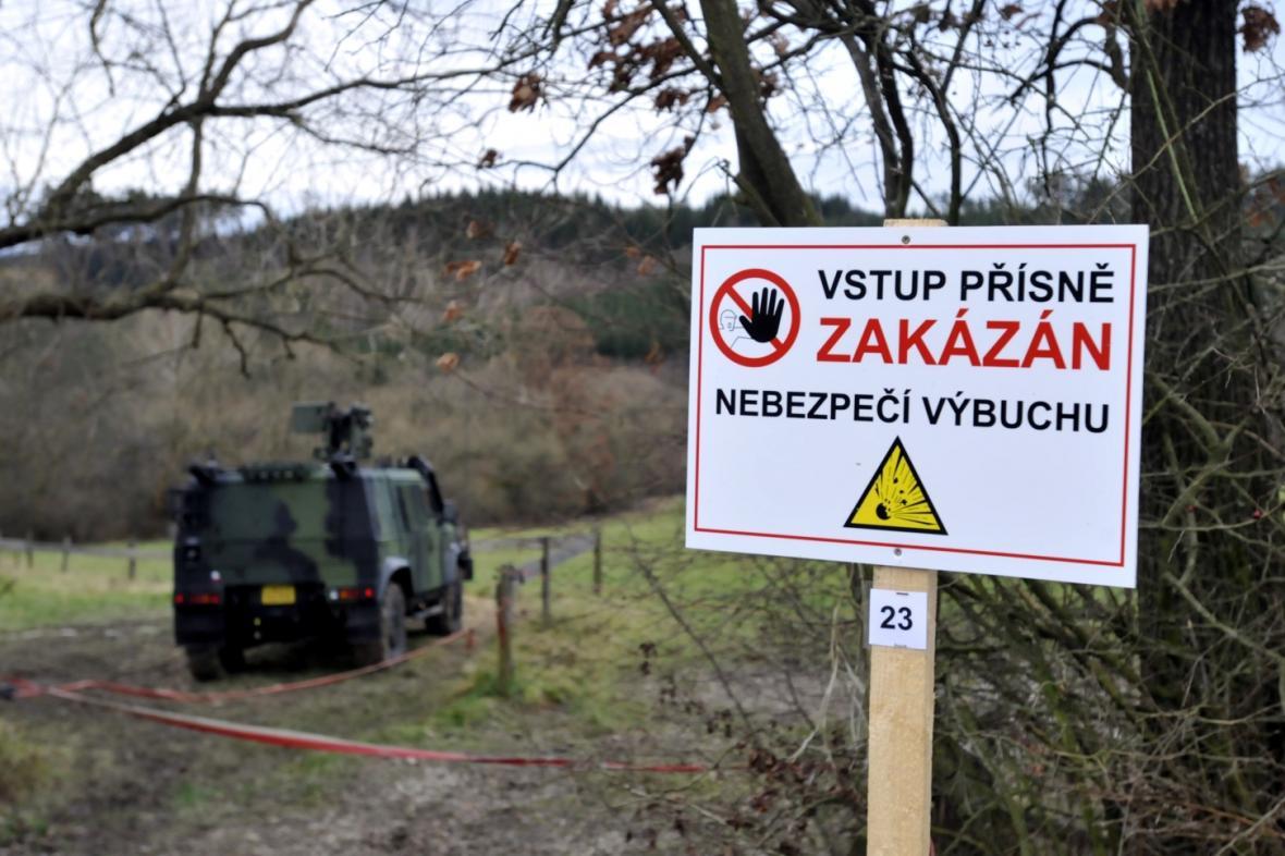 Varovná značka u Vrbětic