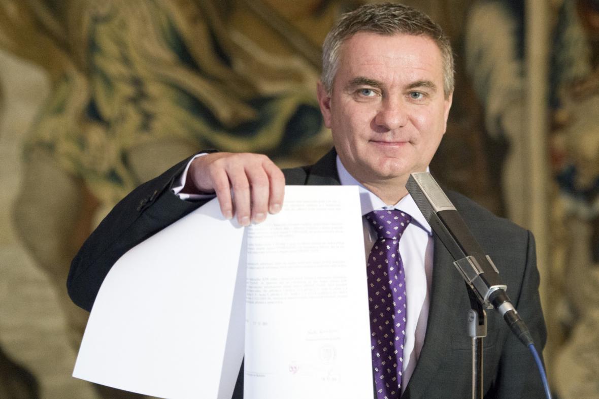 Vratislav Mynář s žádostí o bezpečnostní prověrku