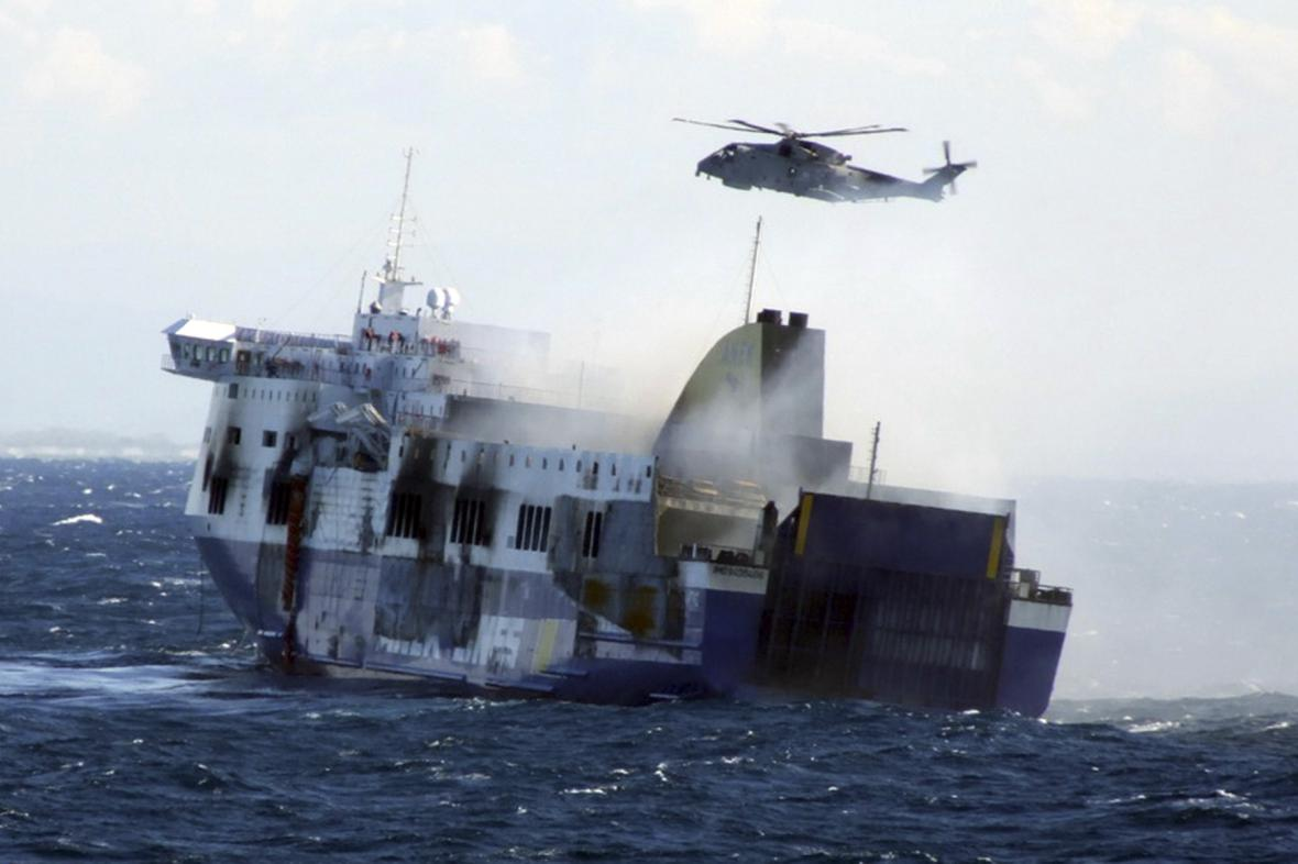 Evakuace z trajektu Norman Atlantic