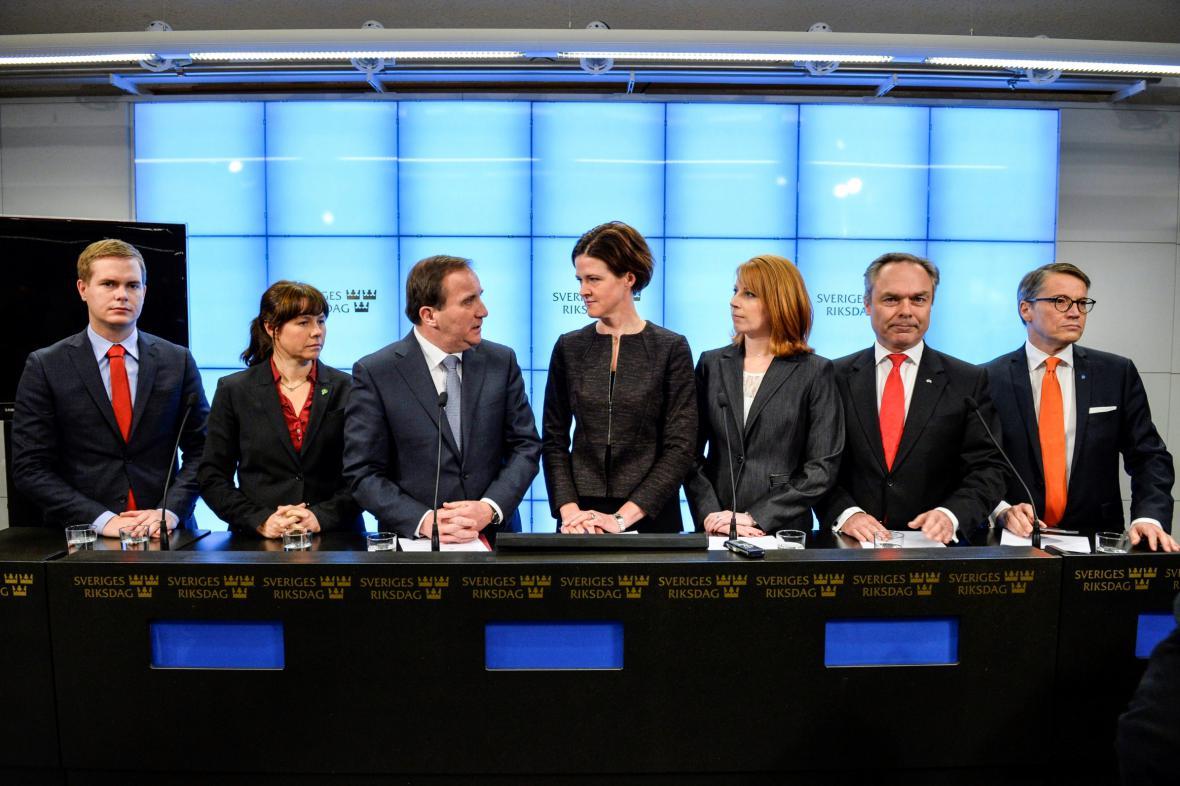 Zástupci švédských koaličních i opozičních stran na tiskové konferenci