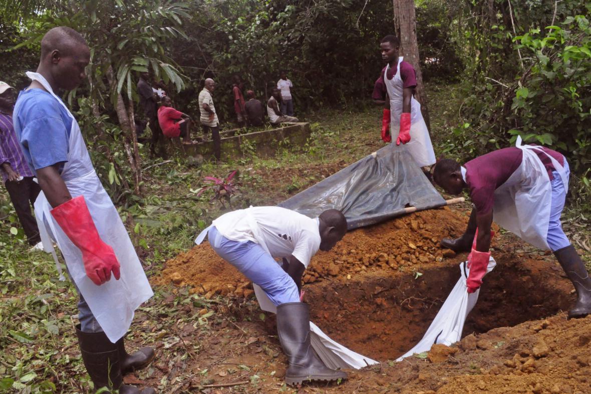 Pohřeb obětí eboly