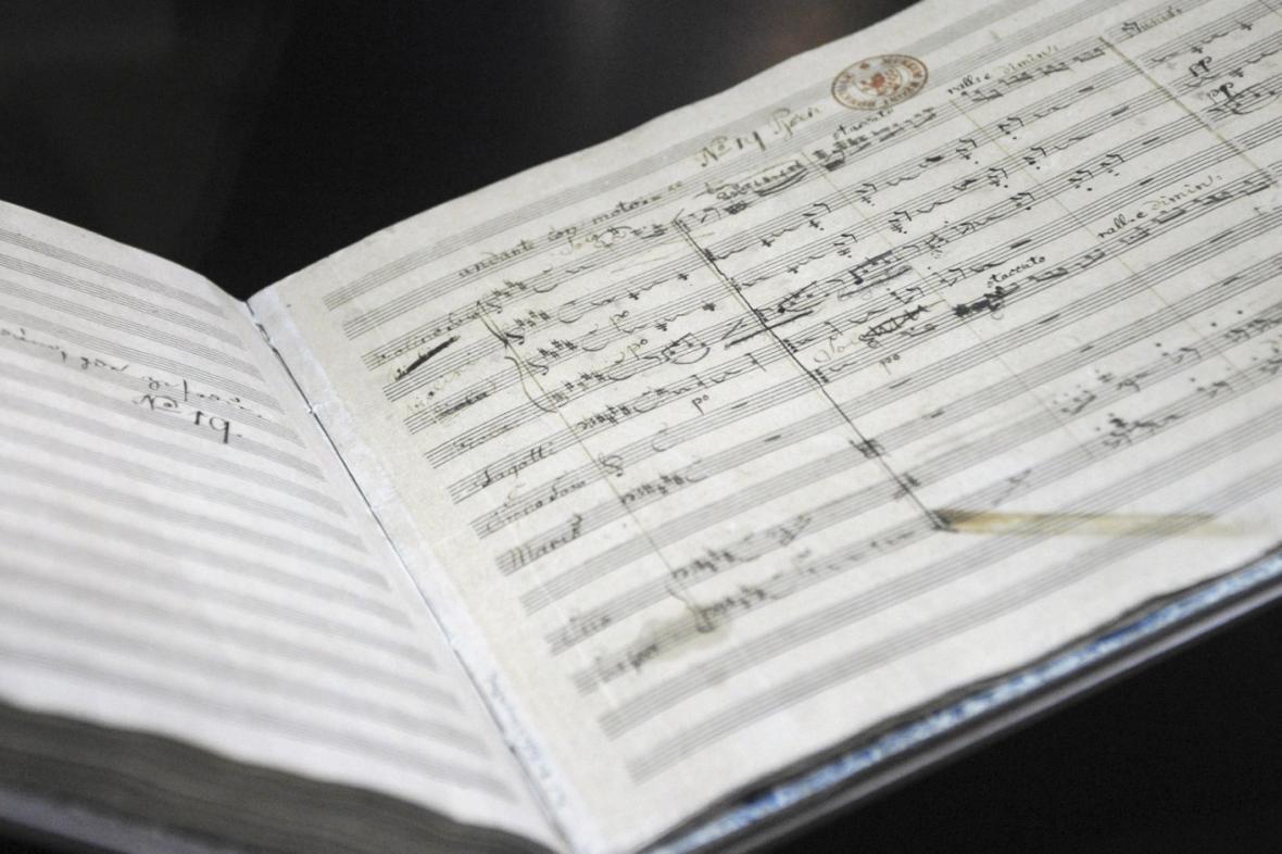 Původní zápis písně Kde domov můj na partituře Škroupa a Tyla z roku 1834