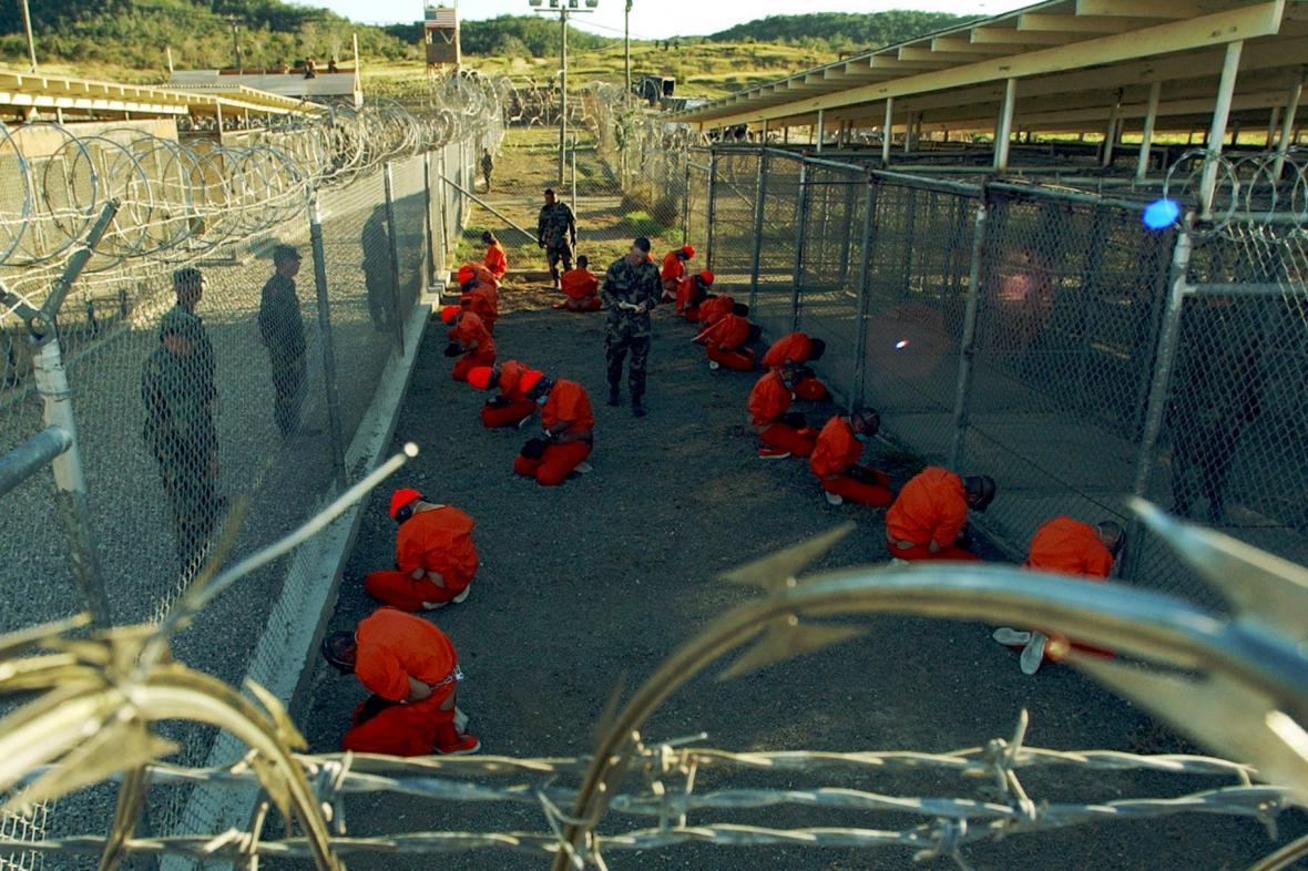 Vězni na Guantánamu