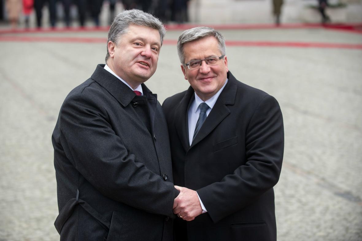 Petro Porošenko a Bronislaw Komorowski ve Varšavě