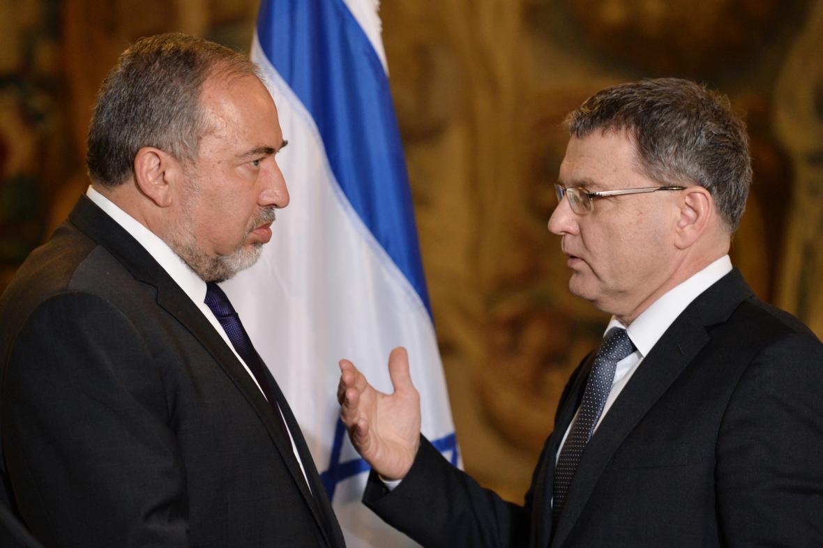 Izraelský ministr zahraničních věcí Avigdor Lieberman a ministr zahraničních věcí ČR Lubomír Zaorálek