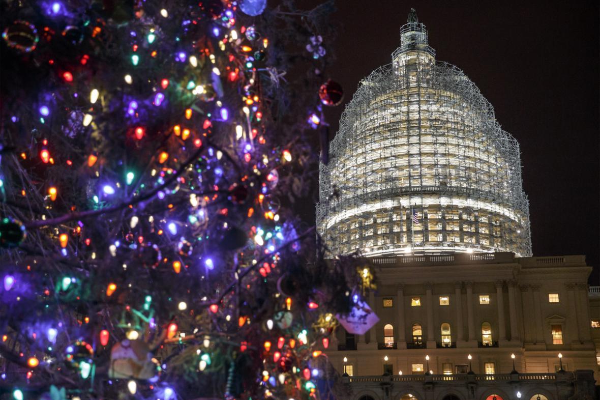 Kongres v předvánočním období schvaluje federální rozpočet