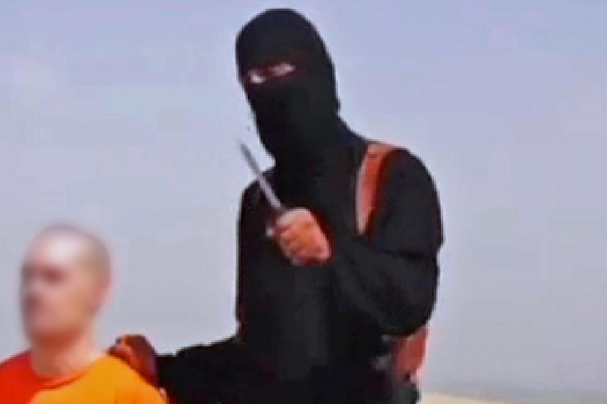 Video se stětím novináře Foleyho