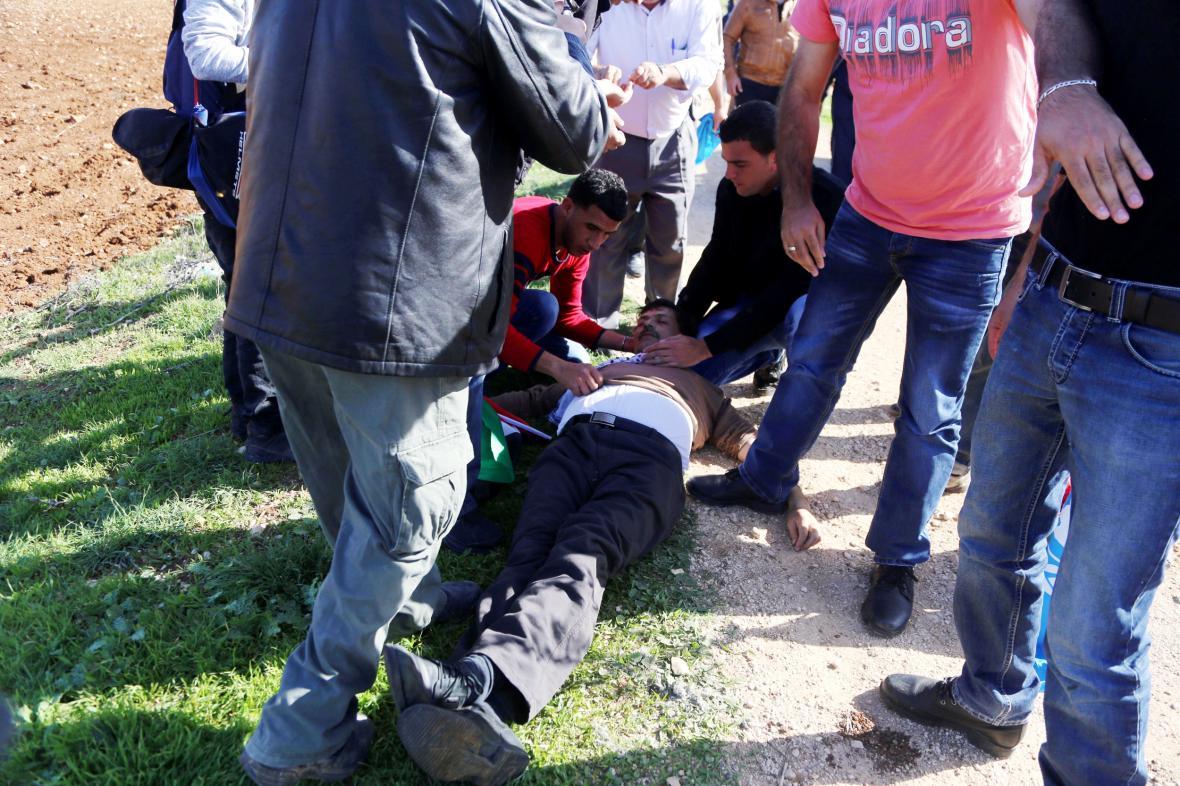 Zijád abú Ajn upadl po střetu s vojákem do bezvědomí