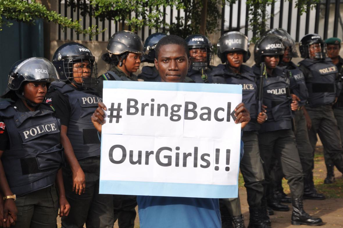 Kampaň na záchranu nigerijských školaček