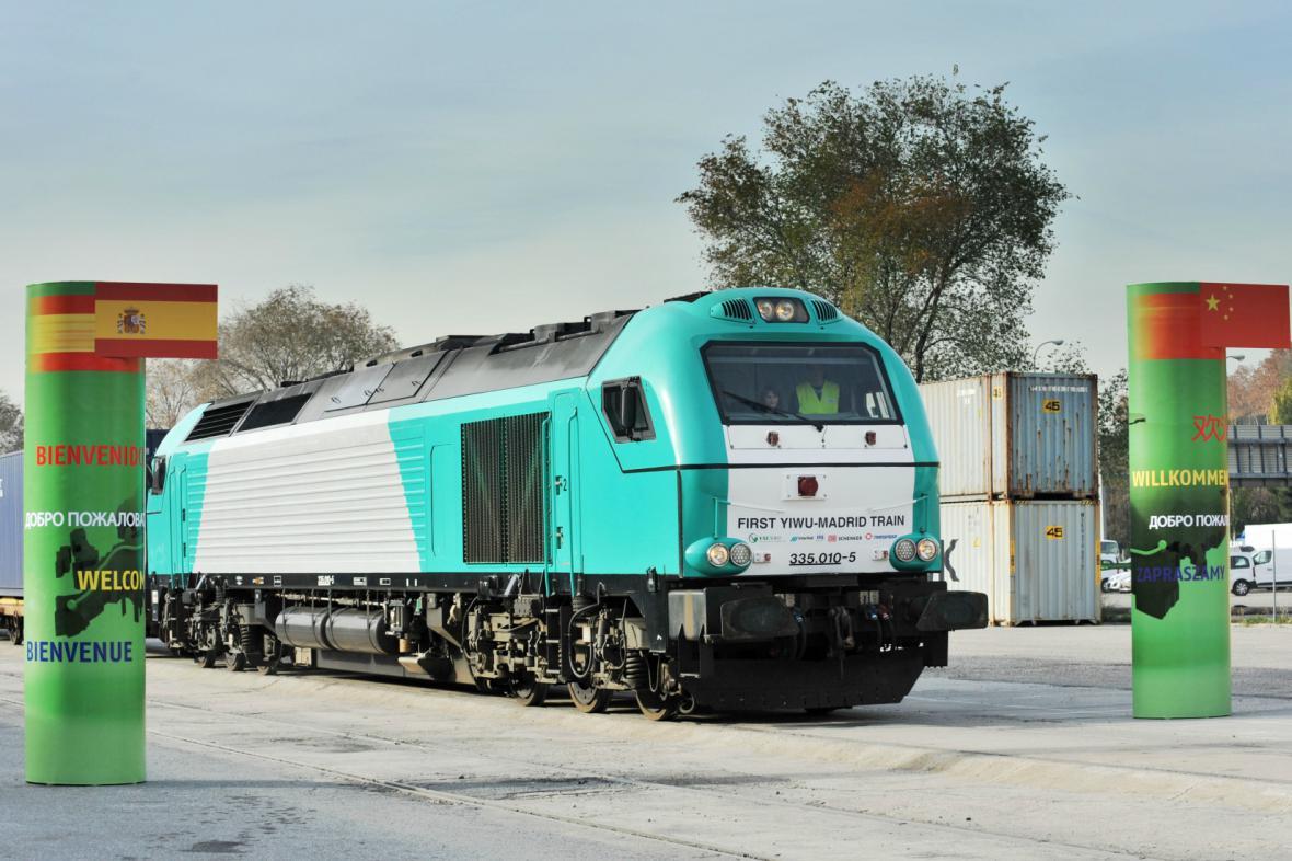 Trať mezi Čínou a Španělskem projel první vlak