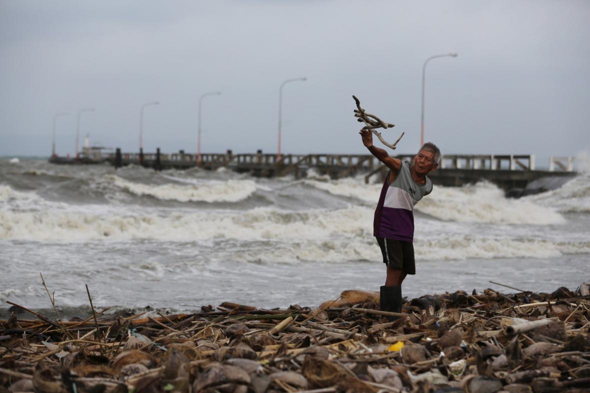 Filipíny se připravují na úder tajfunu Hagupit