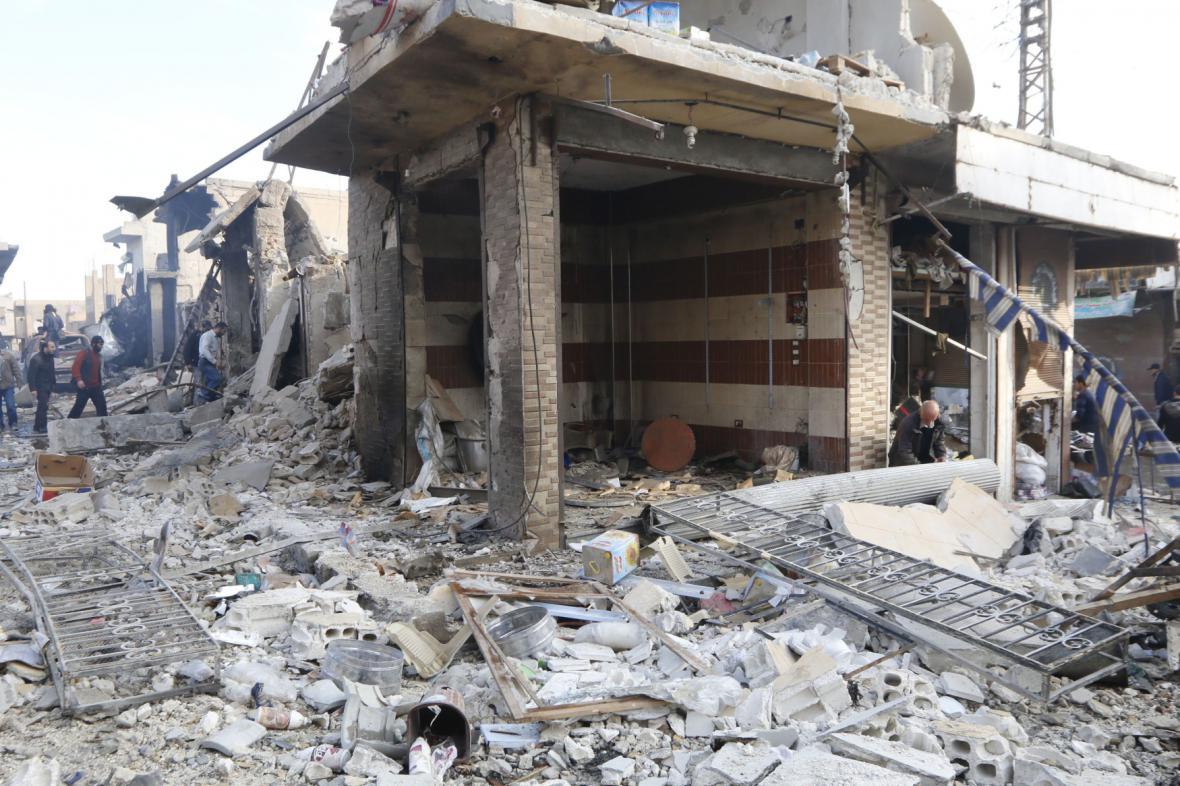 Syrská Rakká po bombardování