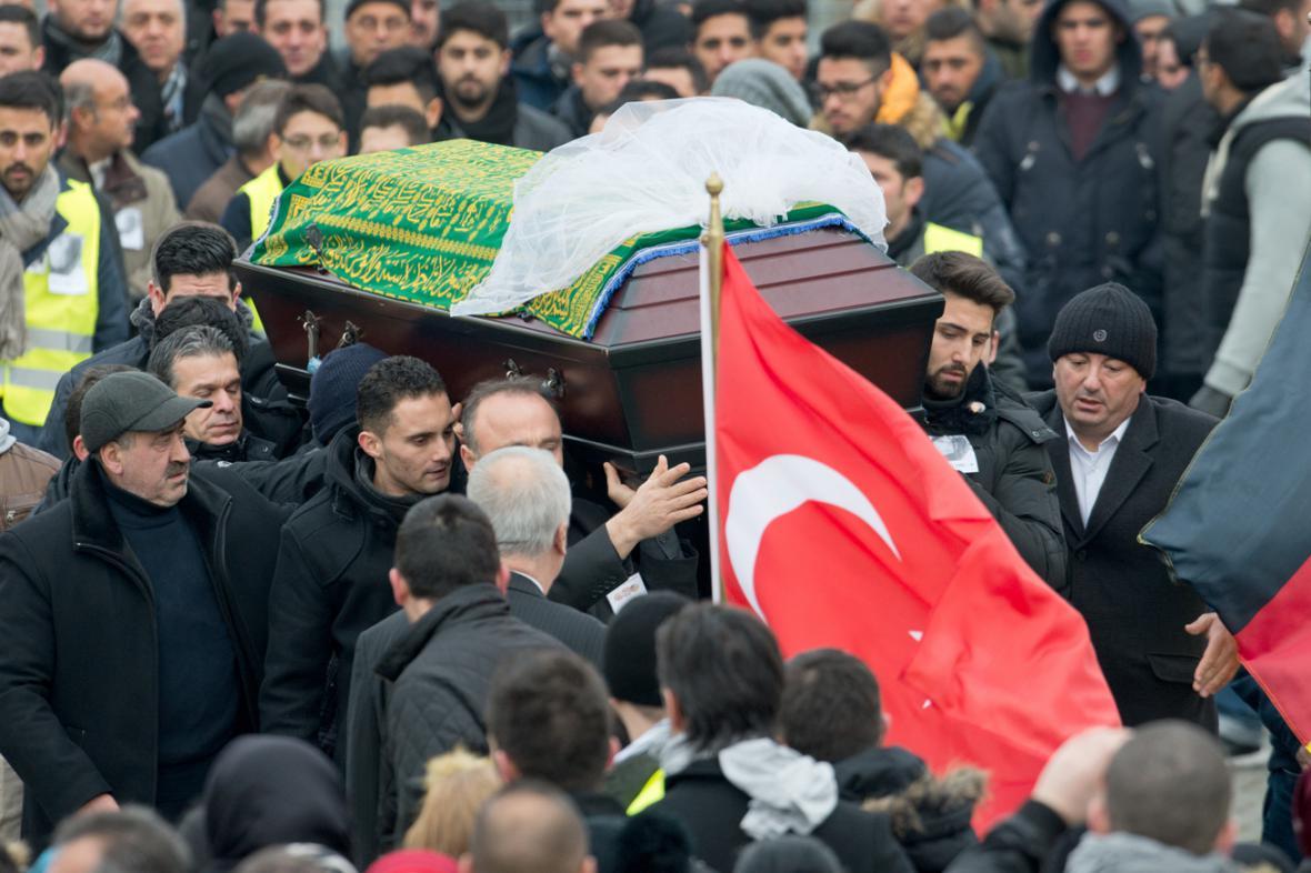 Pohřeb Tugce Albayrakové