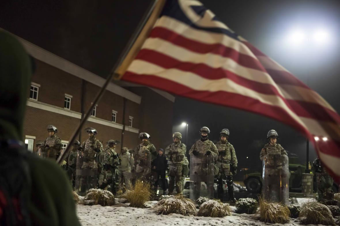 Ve Fergusonu byl ve čtvrtek klid