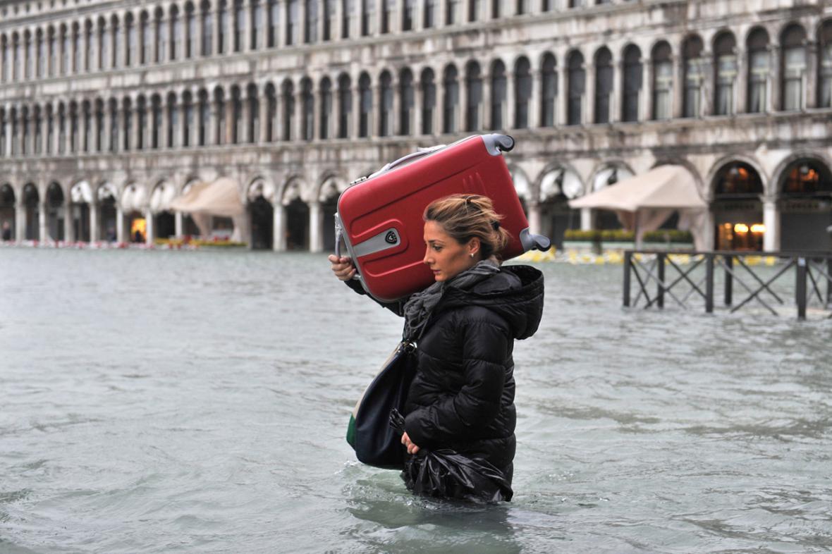 I takto lze: Kufr s kolečky na rameno a vzhůru do zaplavených Benátek