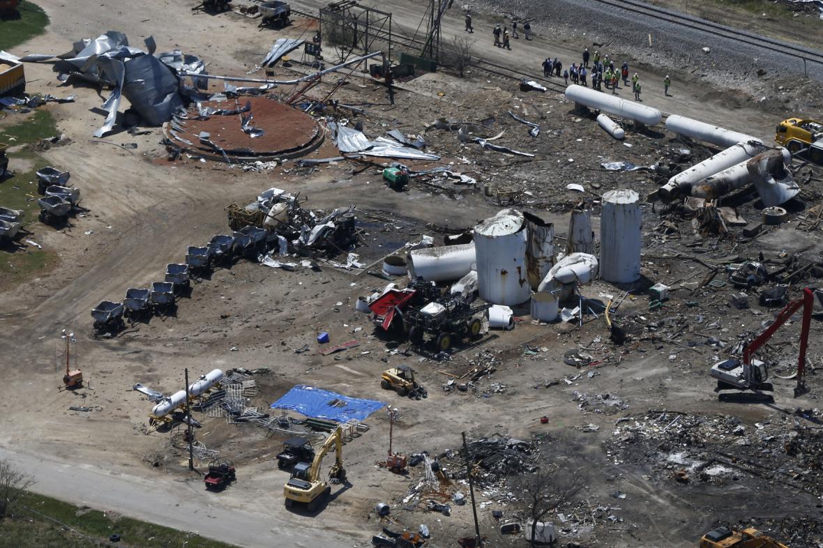 Exploze v továrně ve Westu