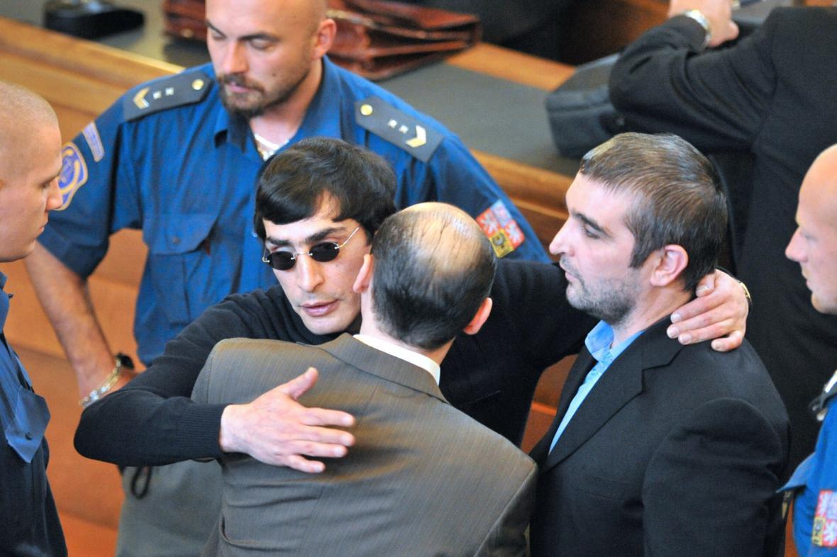 Andranik Soghojan (v brýlích)