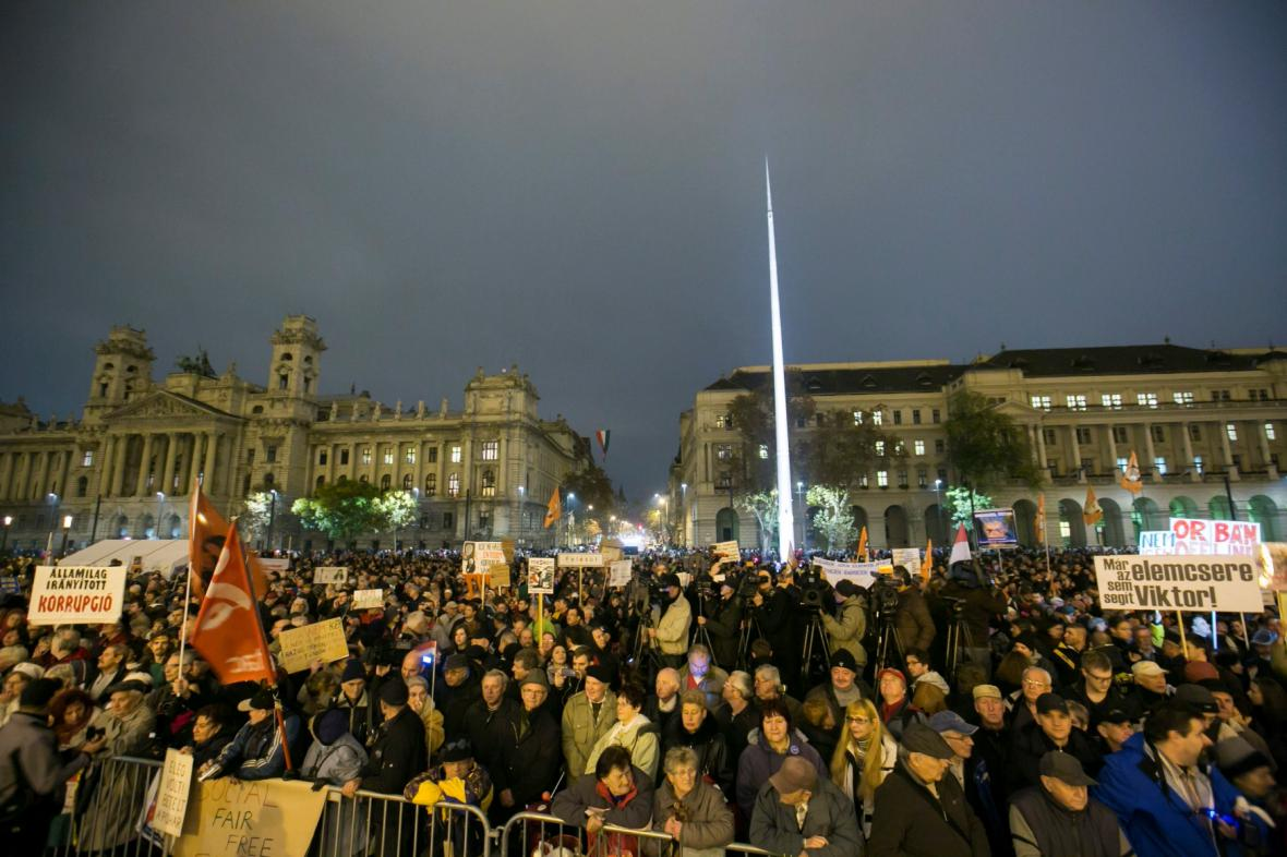 Protesty v Budapešti proti Orbánově politice
