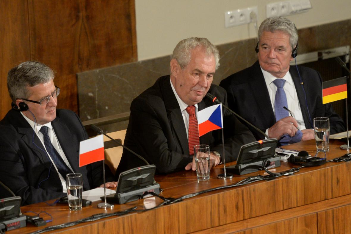 Miloš Zeman při debatě k výročí 17. listopadu na Právnické fakulě UK