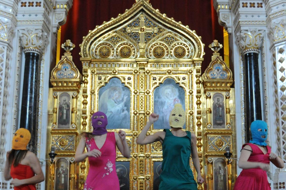 Vystoupení Pussy Riot v katedrále Krista Spasitele
