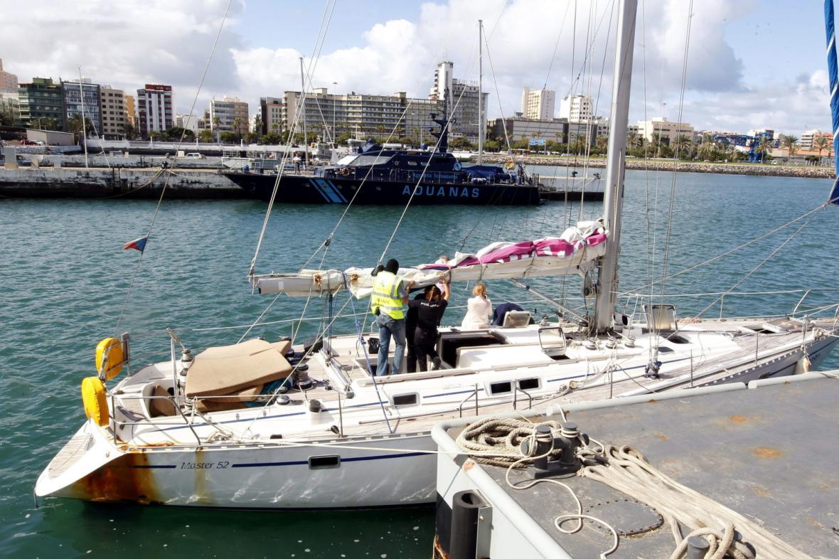 Zadržená česká plachetnice s kokainem na palubě