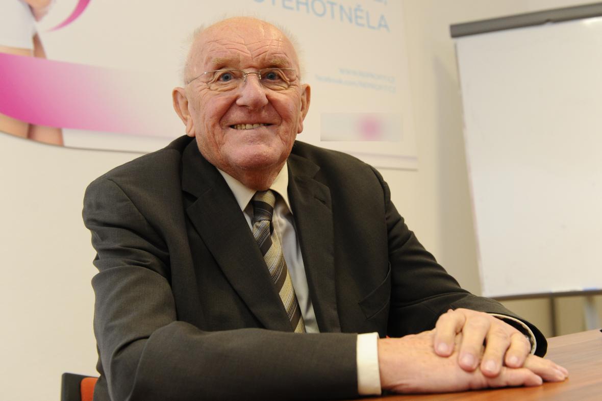 Průkopník asistované reprodukce v Česku Ladislav Pilka