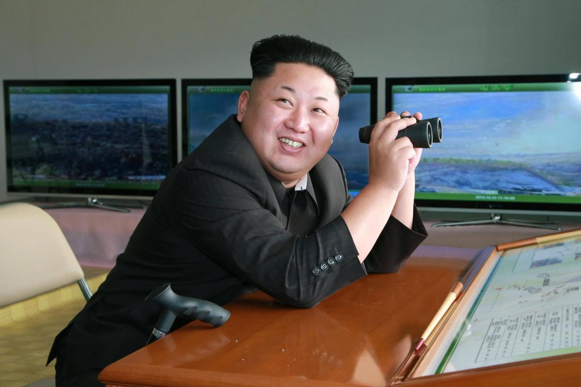 Kim Čong-un v roli pozorovatele
