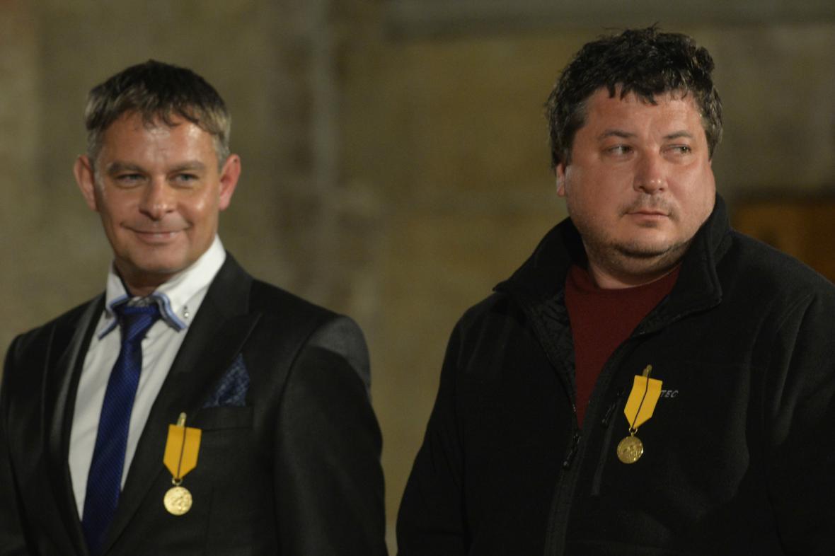 Filip Renč a Robert Sedláček dostali medaili Za zásluhy