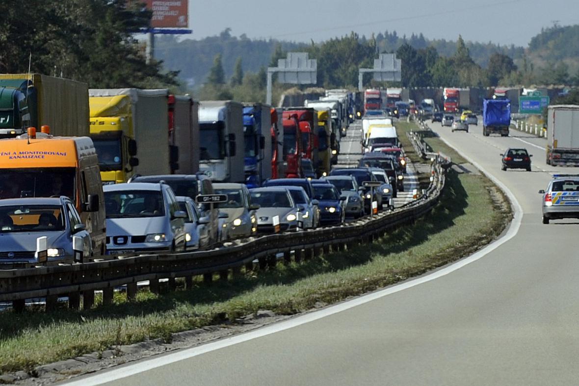 Dopravní kolona na dálnici D1