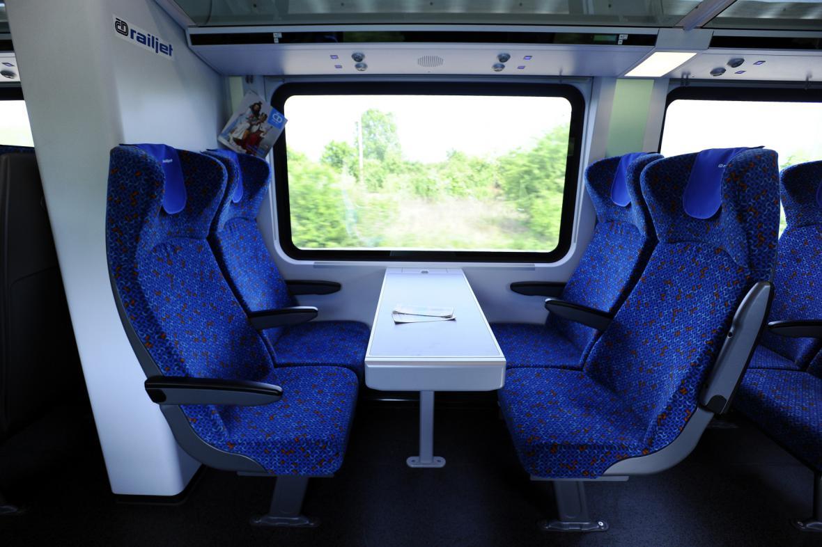 Railjet: Druhá třída