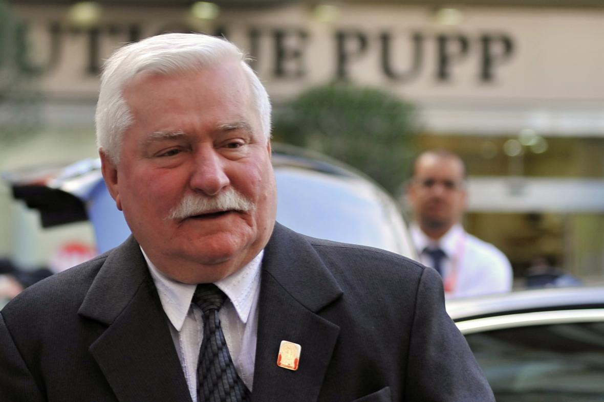 Lech Walesa nabízí své zkušenosti Kubáncům