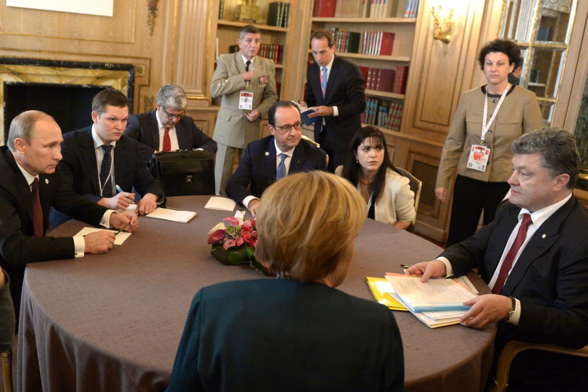 Jednání mezi Putinem, Hollandem, Porošenkem a Merkelovou