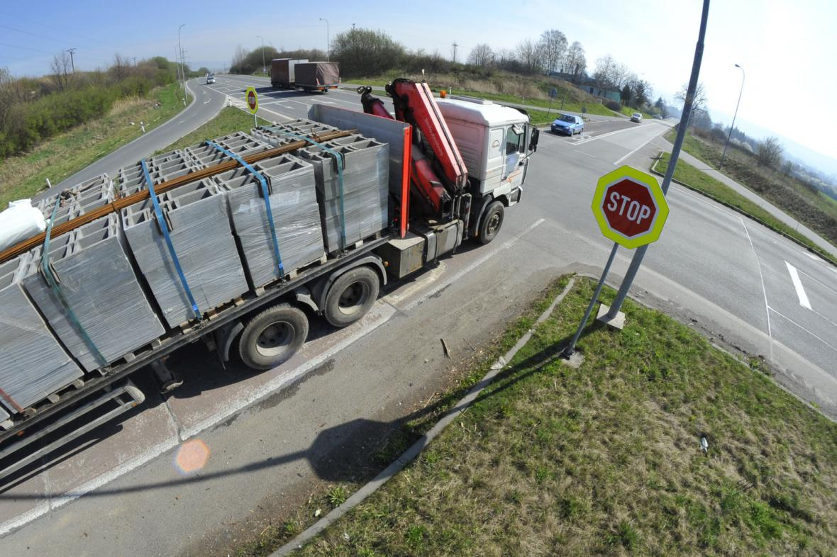 Nebezpečná křižovatka u Lipníku nad Bečvou